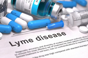 Antibiotic pills for Lyme disease treatment